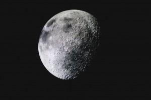 Россия может построить первую обитаемую базу на поверхности Луны уже в 2030 году