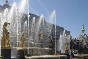 В Петергофе с 21 по 22 сентября пройдет осенний Праздник фонтанов
